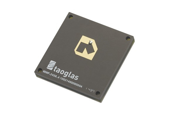 Dual-Band 2.4/5.8GHz Embedded Circular Polarized Patch (front)